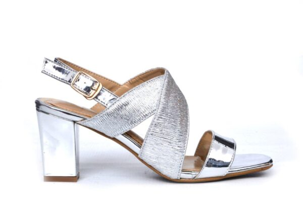 Beautiful Queen Ls008 White Color Shoes 1